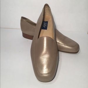 NIB Selby 7B Oyster Leather Dress Loafer